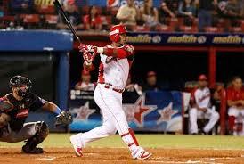 Las Grandes Ligas del béisbol de EE.UU. prohíben participación en Venezuela